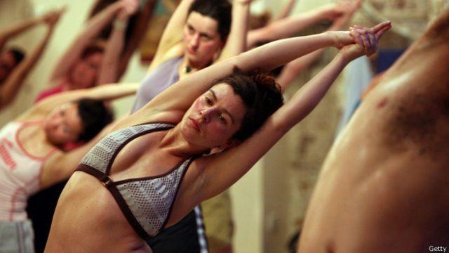 Además de servir de preparación para el ejercicio y de relajación, el estiramiento es ideal para lograr más flexibilidad.