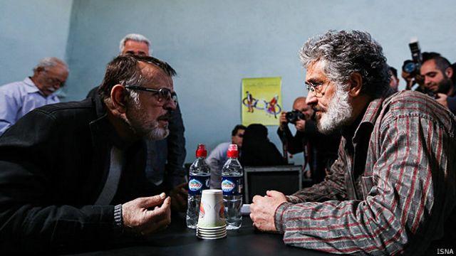 نمایی از سریال 'فوق سری' که مهدی فخیم زاده، کارگردان، آن را لاشه ای لت و پار شده از سریال خود خوانده است