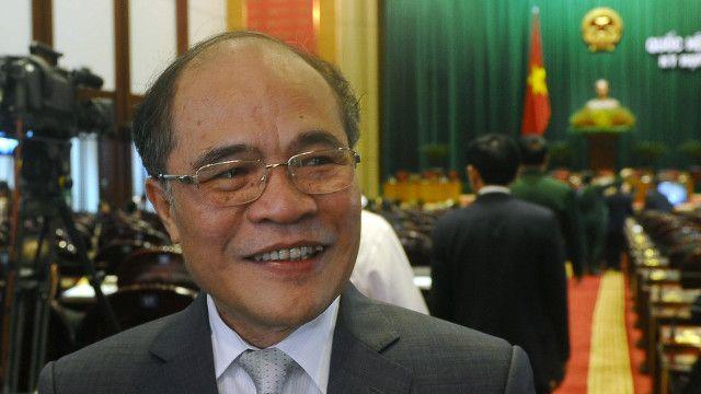 Chủ tịch Quốc hội Việt Nam Nguyễn Sinh Hùng thừa nhận có vấn đề trong chi tiêu, quản lý ngân sách công và vay nợ.
