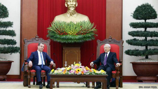 Thủ tướng Nga Medvedev thăm Việt Nam hồi đầu tháng Tư