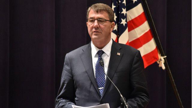 Bộ trưởng Quốc phòng Ashton Carter theo kế hoạch sẽ có chuyến viếng thăm Việt Nam vào cuối tháng Năm