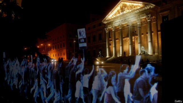 En abril más de 2.000 imágenes tridimensionales marcharon en España para protestar contra la llamada 'ley mordaza'.