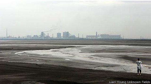 Окрестности Баотоу: здесь пейзаж уже не индустриальный, а неземной