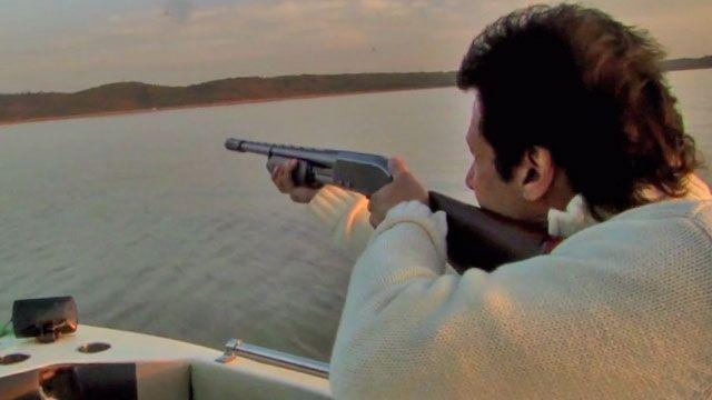 عمران خان نے مرغابی کو نشانہ بنایا تو ان کا بیٹا چلا اٹھا
