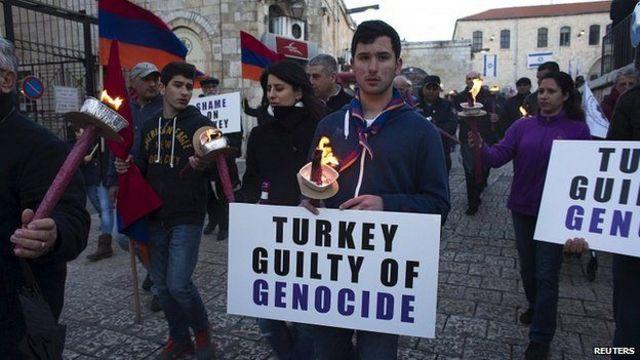 يصر الأرمن في جميع أنحاء العالم على تسمية الأحداث بالمذبحة.