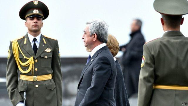 رئيس أرمينيا يترأس مراسم تخليد ذكرى مذبحة الأرمن