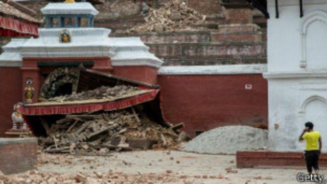 Templo destruido