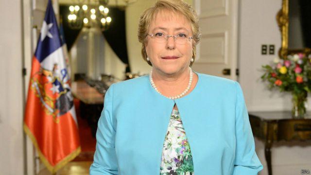 Bachelet hizo el anuncio en cadena nacional.