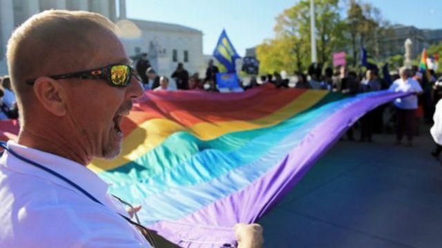 Des militants revendiquant le mariage homosexuel