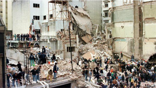 El atentado a la AMIA dejó 85 muertos.