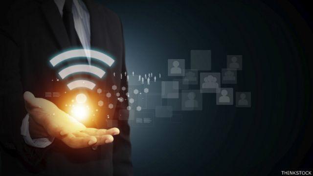 Descargar las actualizaciones sólo cuando estés conectado a wifi, esa es la clave.