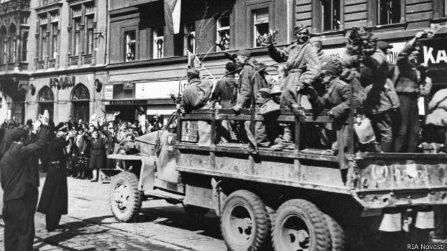 Вступление советских войск в Прагу 9 мая 1945 г.