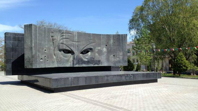 Nəsimi rayonunda Sovet kəşfiyyatçısı Rixard Zorgenin adını daşıyan parkda onun şərəfinə ucaldılmış heykəl. Bakıda Zorgenin adını daşıyan küçə də var.