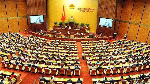 Các Đại biểu Quốc hội Việt Nam nhiều lần kiến nghị cải cách quản lý, chi tiêu ngân sách công.