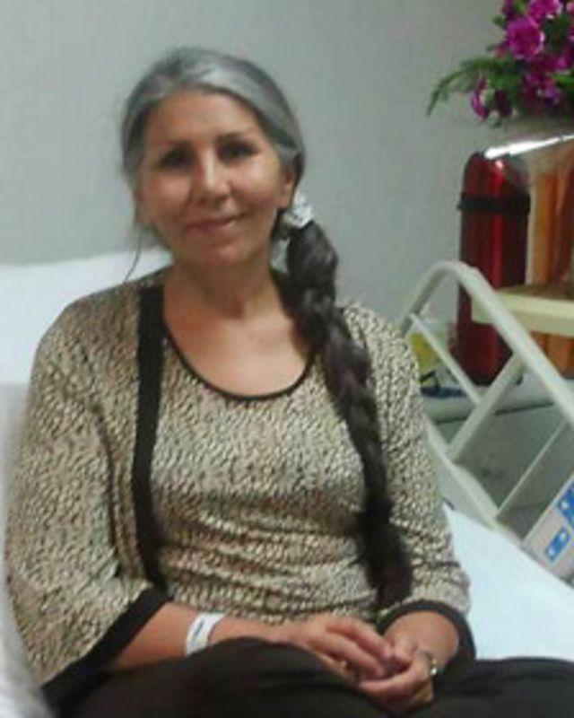 مهوش ثابت - خانواده اش می گوید به عارضه پوکی استخوان دچار است. عکس در بیمارستان پارس