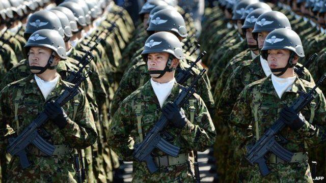 日本的和平憲法規定除自衛外,禁止介入武裝衝突。