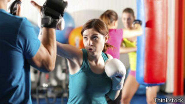 Son muchos los gimnasios que basan sus métodos en los ejercicios dirigidos a la práctica del boxeo.