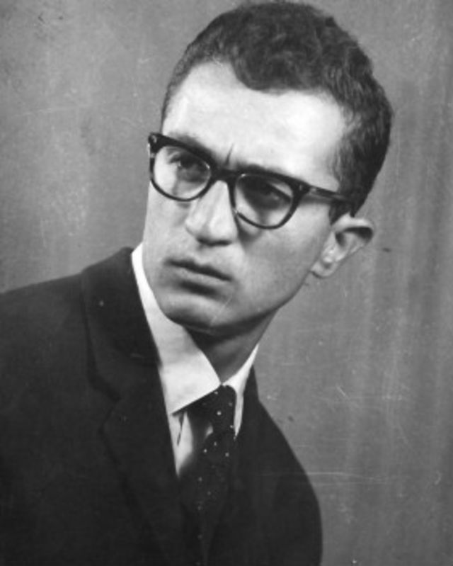 اکرم عثمان در جوانی