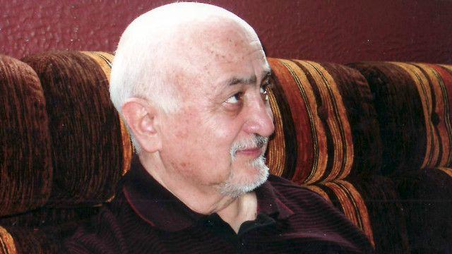 اکرم عثمان در اوایل دهه نود میلادی و پس از اوجگیری جنگهای داخلی در افغانستان، به سوئد رفت