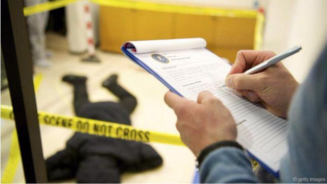ولیس نے کسی شخص کو اس قتل کے سلسلے میں گرفتار نہیں کیا ہے تاہم ان کا کہنا ہے کہ انھوں نے ایک مشکوک شخص کی نشادہی کر لی ہے