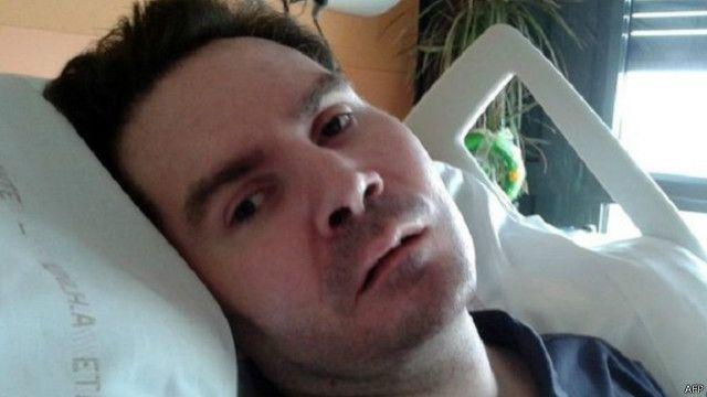 أصيب لامبرت بشلل رباعي ودخل في غيبوبة بعد حادث دراجة بخارية منذ سبع سنوات.