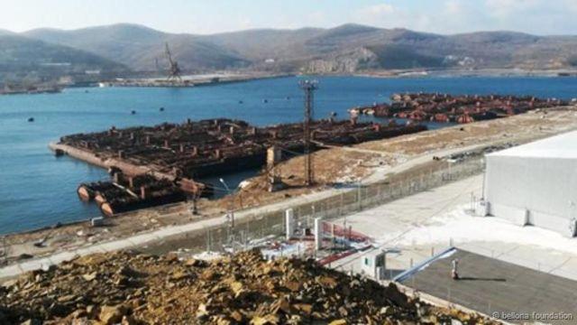 俄羅斯的核反應堆存儲在海參崴港。(供稿:貝羅納基金會)