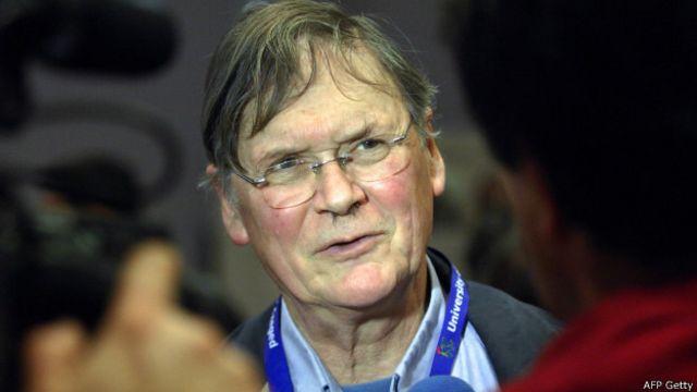 Tim Hunt tuvo que pedir perdón públicamente y el jueves se supo que dimitió de sus cargos académicos.