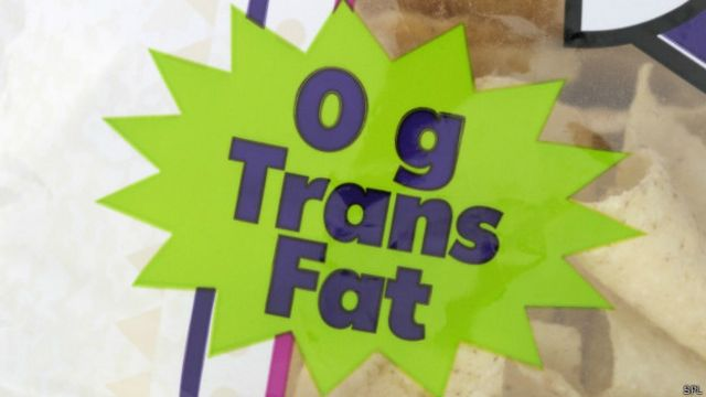 Las etiquetas señalan la cantidad de grasas trans que contienen los alimentos.