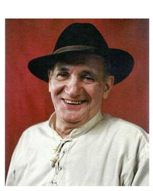 پرویز کیمیاوی پس از انقلاب ایران در فرانسه زندگی میکند