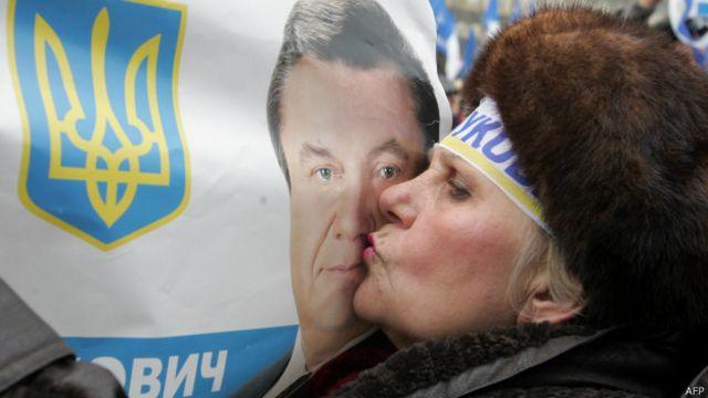 Янукович до сих пор считает себя легитимным президентом