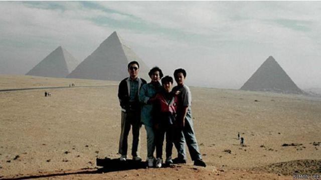 Simon Lee con su familia
