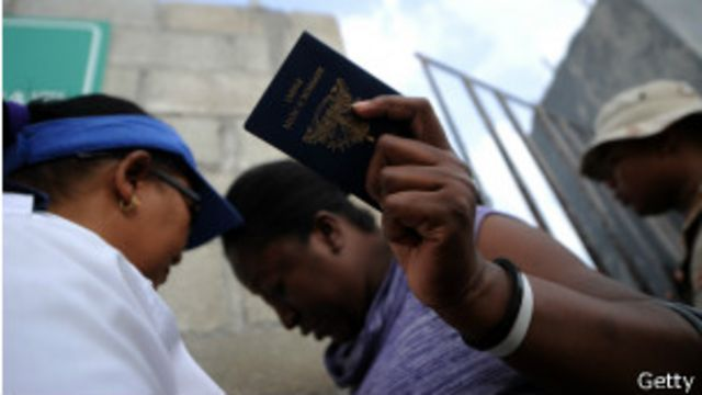 Al menos 180.000 haitianos quedaron susceptibles de ser deportados por carecer de documentos.
