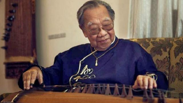 Giáo sư Trần Văn Khê đã mang âm nhạc cổ truyền của Việt Nam ra thế giới