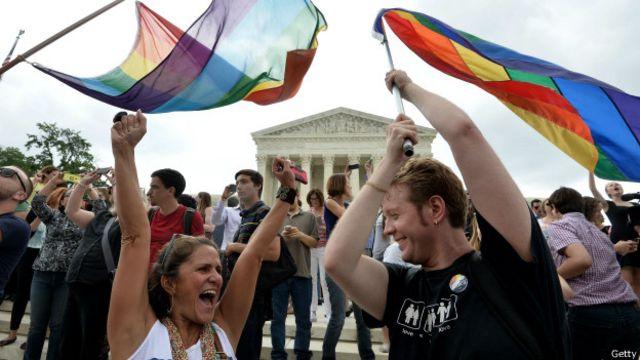 Las afueras de la Corte Suprema fueron escenario de celebraciones.