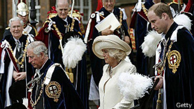 El príncipe Carlos, la duquesa de Cornwall y el príncipe William