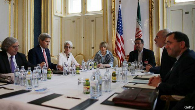 علی اکبر صالحی، رئیس سازمان انرژی اتمی ایران در این مذاکرات حضور ندارد