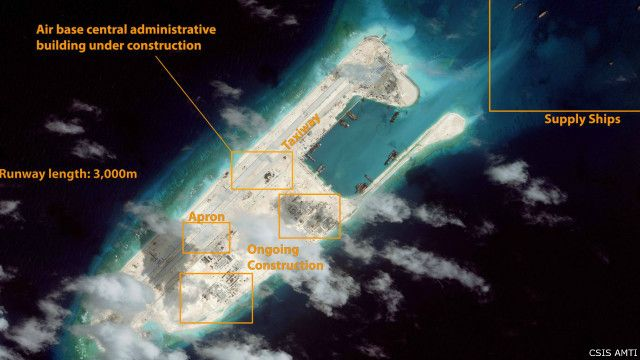 Trung Quốc được nói là đang xây dựng đường băng thứ ba trên Biển Đông