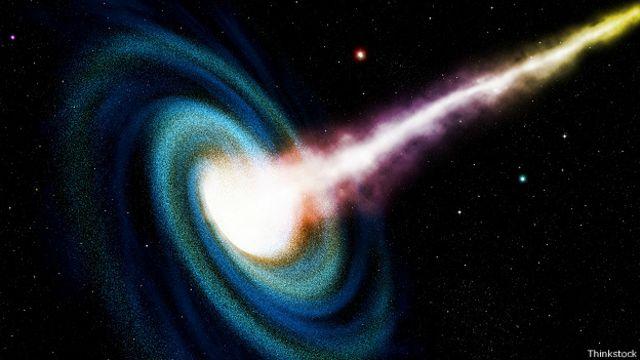 Никто точно не знает, что происходит внутри черной дыры