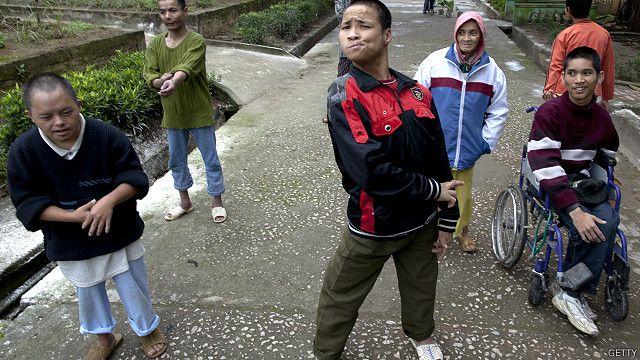 Chất độc Tác nhân Cam được cho là đã ảnh hưởng tới thế hệ thứ ba ở Việt Nam