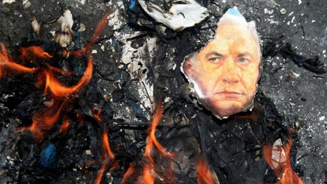 پوستر نتانیاهو در آتش