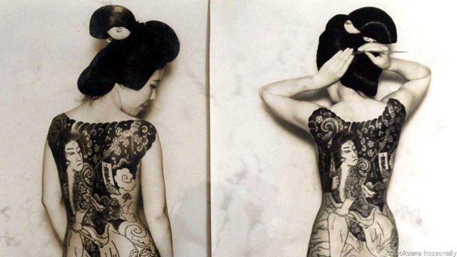 Старая фотография татуированных японок