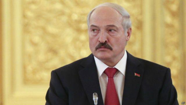Lukaşenko bundan əvvəl ölkədə nefy və qaz tapılmasını əmr edib.
