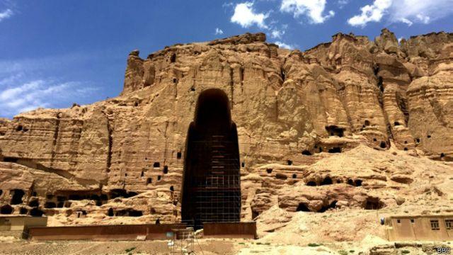 هیچ حصاری بتهای بودا در بامیان را که حالا فقط آثاری از آن مانده، از شهر جدا نکرده است