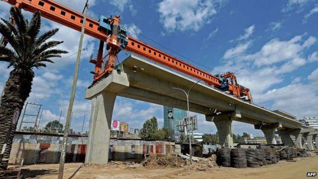 崭新的单轨列车是首都亚的斯亚贝巴庞大的建设项目