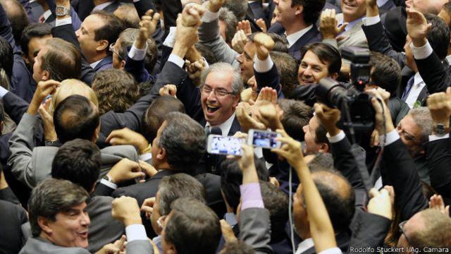 Eduardo Cunha conmemora su elección como presidente de la cámara brasileña de Diputados en febrero.