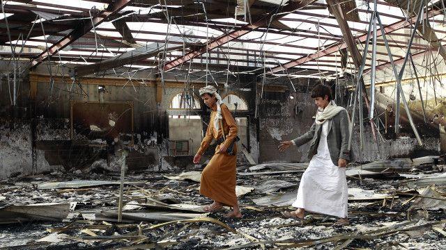 قاعة زفاف دمرت في قصف سعودي بصنعاء