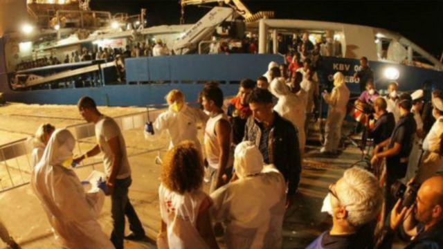 Kapal Swedia, Poseidon, mengangkut jenazah pengungsi dan penyintas ke Sisilia