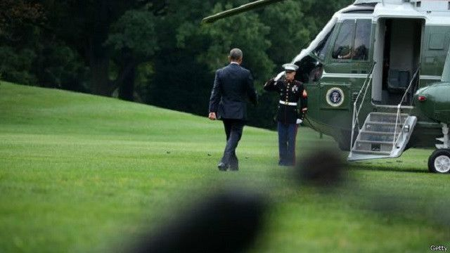 الرئيس الأمريكي باراك أوباما هو أول رئيس أمريكي يزور المنطقة القطبية في ألاسكا