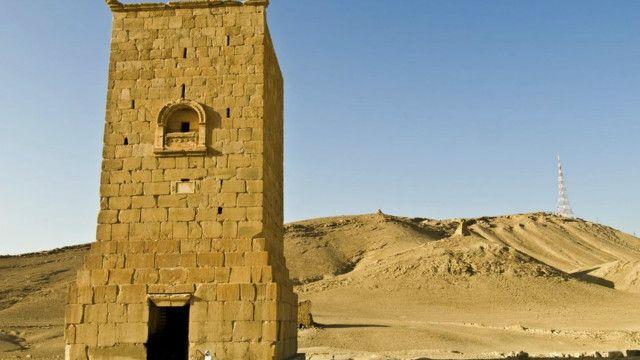 به گفته سرپرست سازمان میراث باستانی سوریه از جمله بخش های تخریب شده برج هبل است که قدمت آن به ۱۰۳ میلادی می رسد