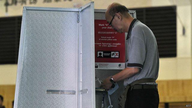 စင်ကာပူမှာ မဲပေးဖို့ စာရင်းသွင်းထားသူ ၂ သန်းကျော် ရှိ။